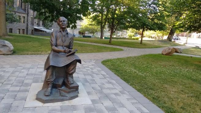 Norman Bethune Toronto statue